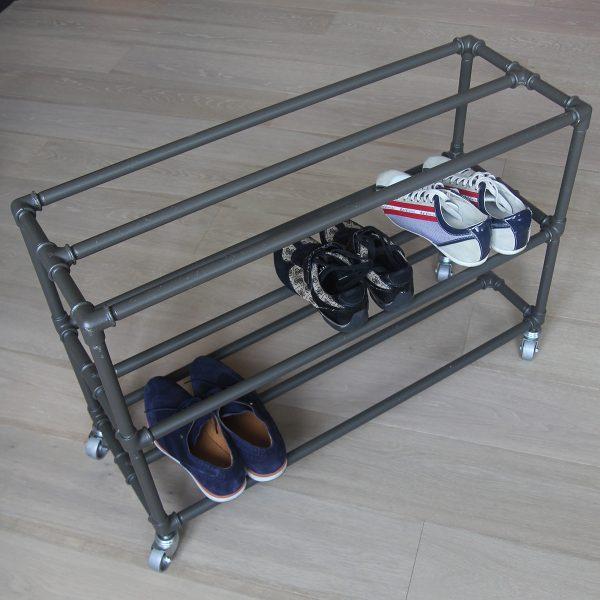 Полка для обуви в индустриальном стиле