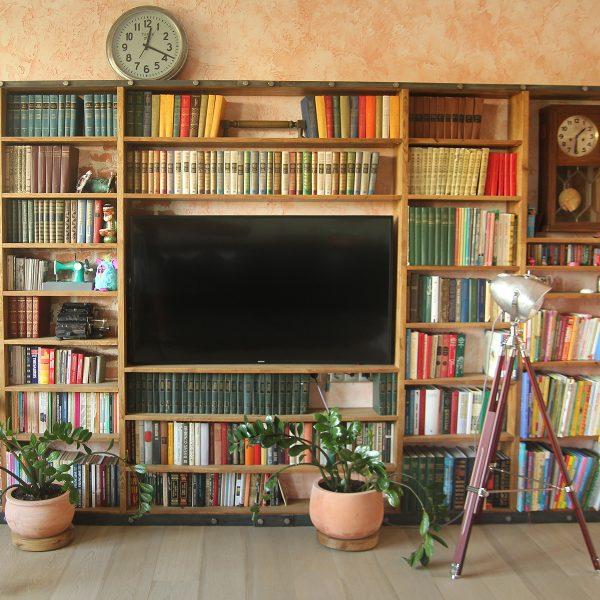 Стеллаж для книг в силе лофт