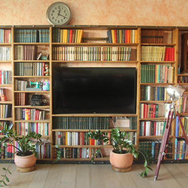 Стеллаж книжный в стиле лофт