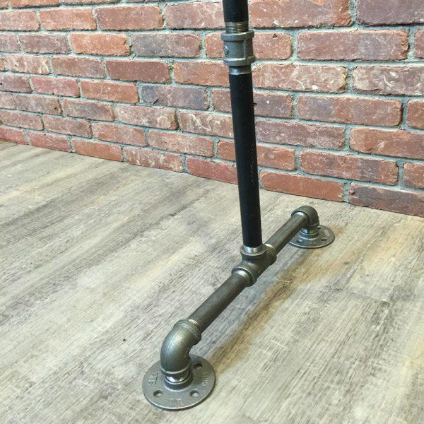 Вешало из труб в стиле лофт