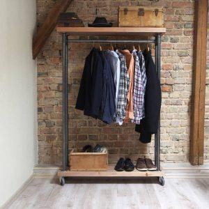 Рейлы и вешалки для одежды